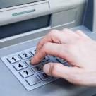 Infractorii folosesc dispozitive cu termoviziune pentru a afla codul PIN al cardurilor celor care plătesc în magazine